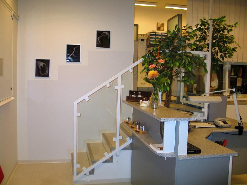 CeraTech hammaslaboratoriomme toimitilat Kuopiossa. Ohjaamme asiakkaat osaavien hammaslääkäreiden käsiin